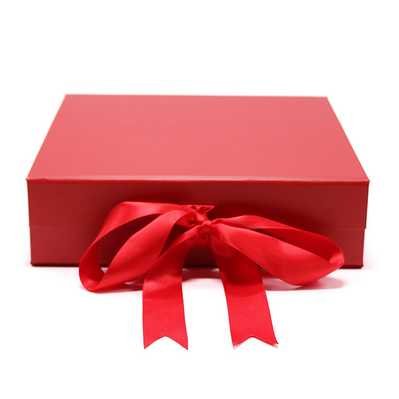 Customized Magnetic Cardboard New Year Red Foldable Gift Box