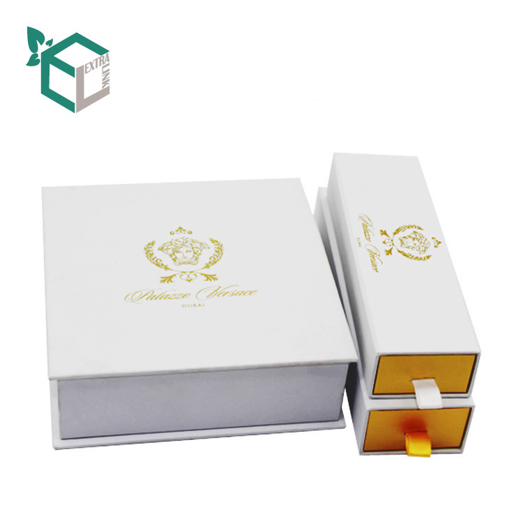 Luxury White Fancy 4 Cavity Chocolate Packaging Box Gift