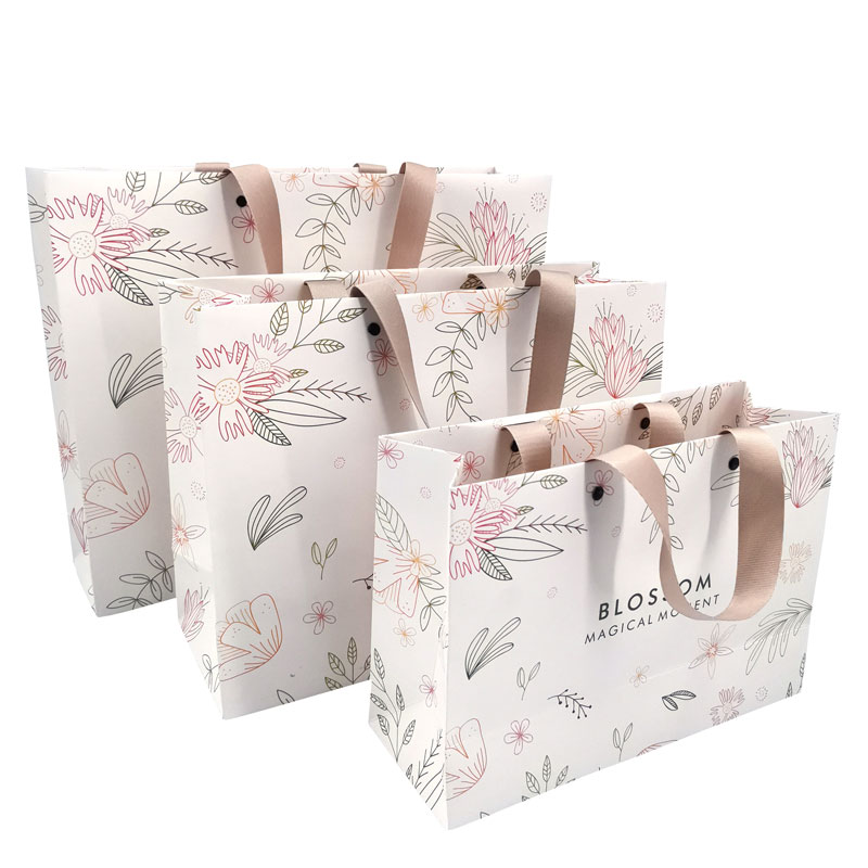 Customized Brand Logo Luxury Boutique Shopping White Paper Gift Bags