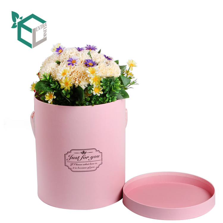 China Manufacturer Cylinder Tube Box Flower Packaging With Handle
