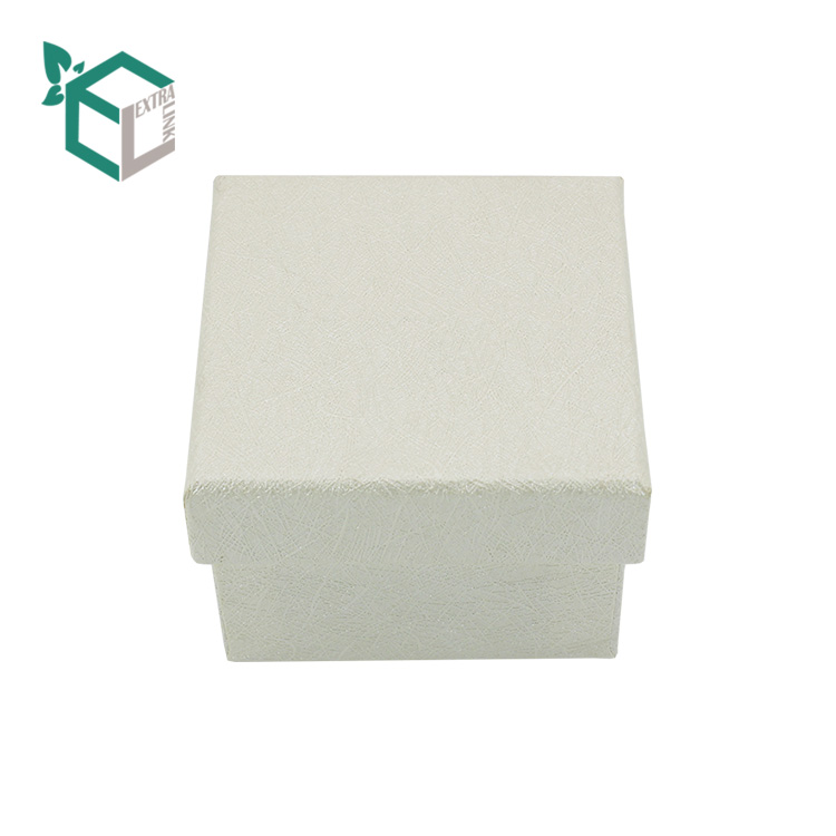 White Paper Custom Fancy Jewellery Box With Small Pillow